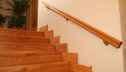 Construir un pasamanos bricoman a - Pasamanos de madera para escaleras ...