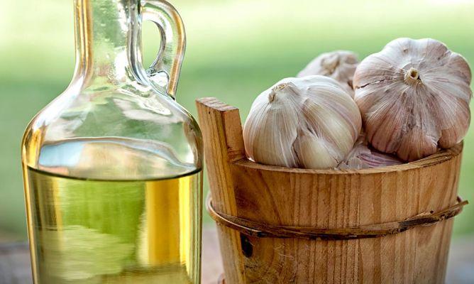 Gotas de aceite de ajo para dolor de oídos - Hogarmania