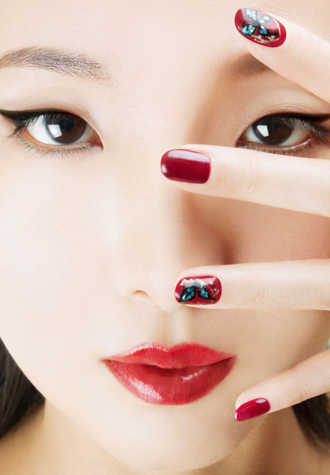 look geisha - manicura