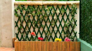Instalación de celosía en jardín