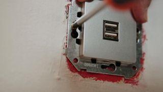 Instalar enchufes con puertos USB