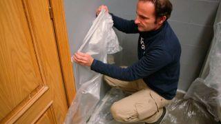 Cómo pintar los azulejos del baño