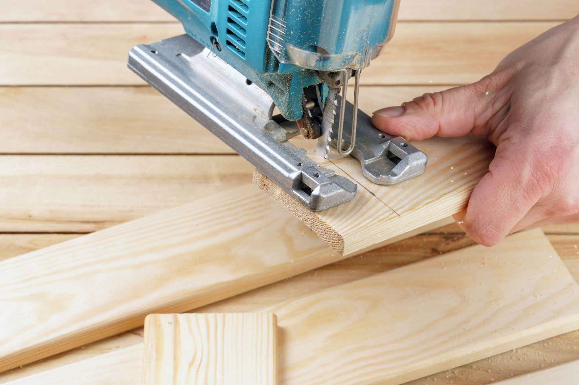 Qu hoja de sierra utilizar dependiendo del material for Cortar madera con radial