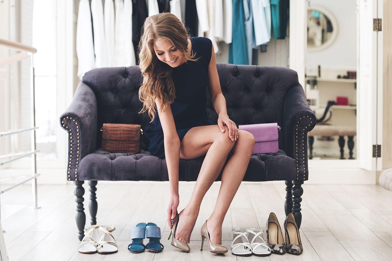 No es necesario combinar bolsos y zapatos