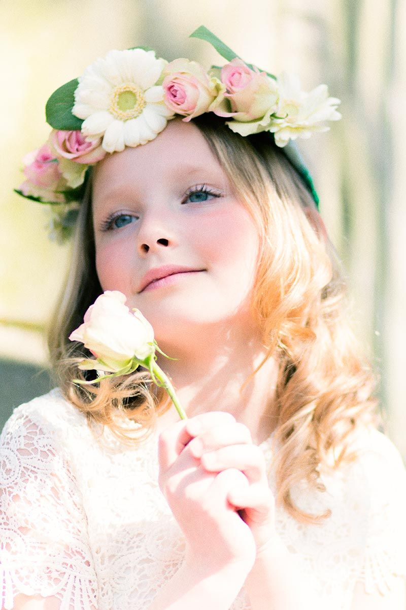 look comunión niñas - peinado flores