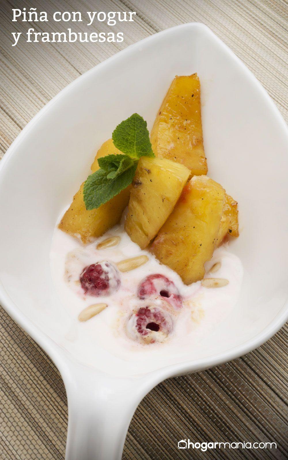 Piña con yogur y frambuesas
