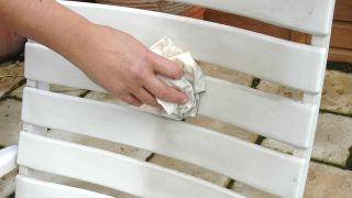 Limpiar muebles de resina