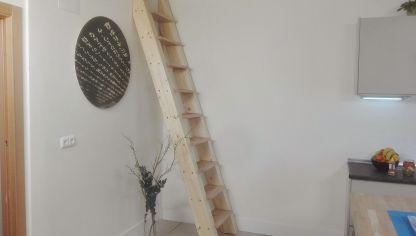 C mo hacer un sill n de c sped bricoman a - Como hacer una escalera plegable para altillo ...