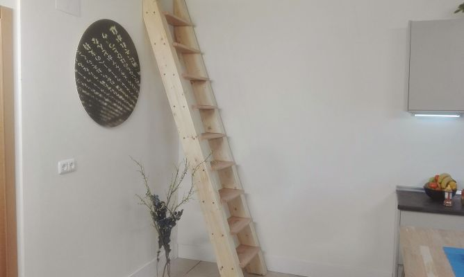C mo hacer una escalera de madera para el altillo bricoman a - Como hacer escaleras ...