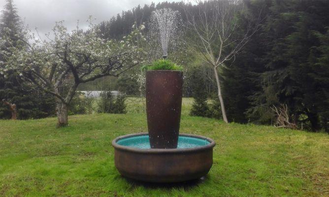C mo hacer una fuente macetero para el jard n bricoman a for Construir una fuente de jardin