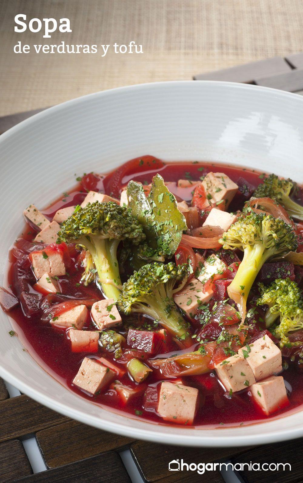 Sopa de verduras y tofu
