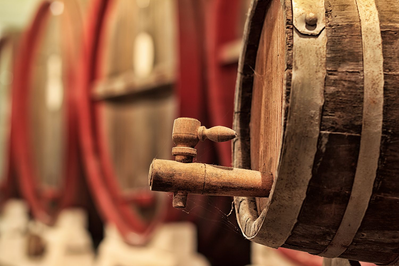 Conservar el vino en barrica