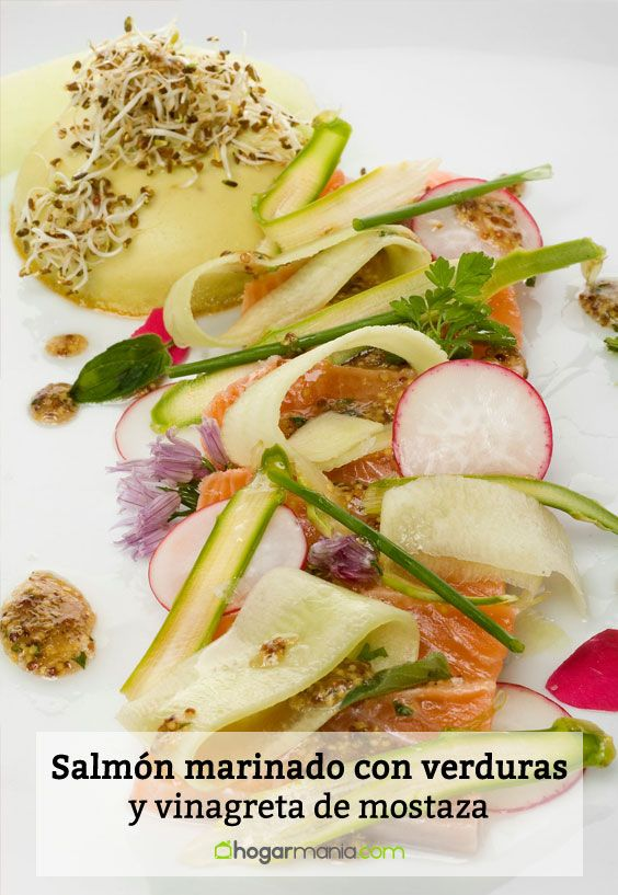 Salmón marinado con verduras, vinagreta de mostaza y flanes de guisantes