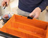 Cómo fijar una tapa para una caja con cinta americana