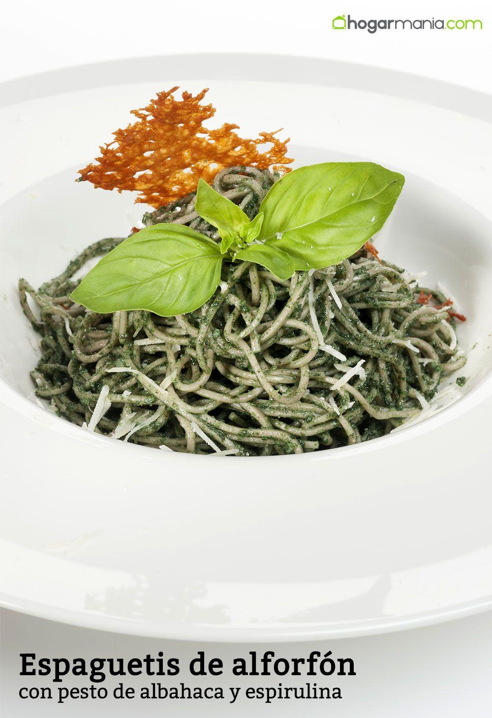Espaguetis de alforfón con pesto de albahaca y espirulina
