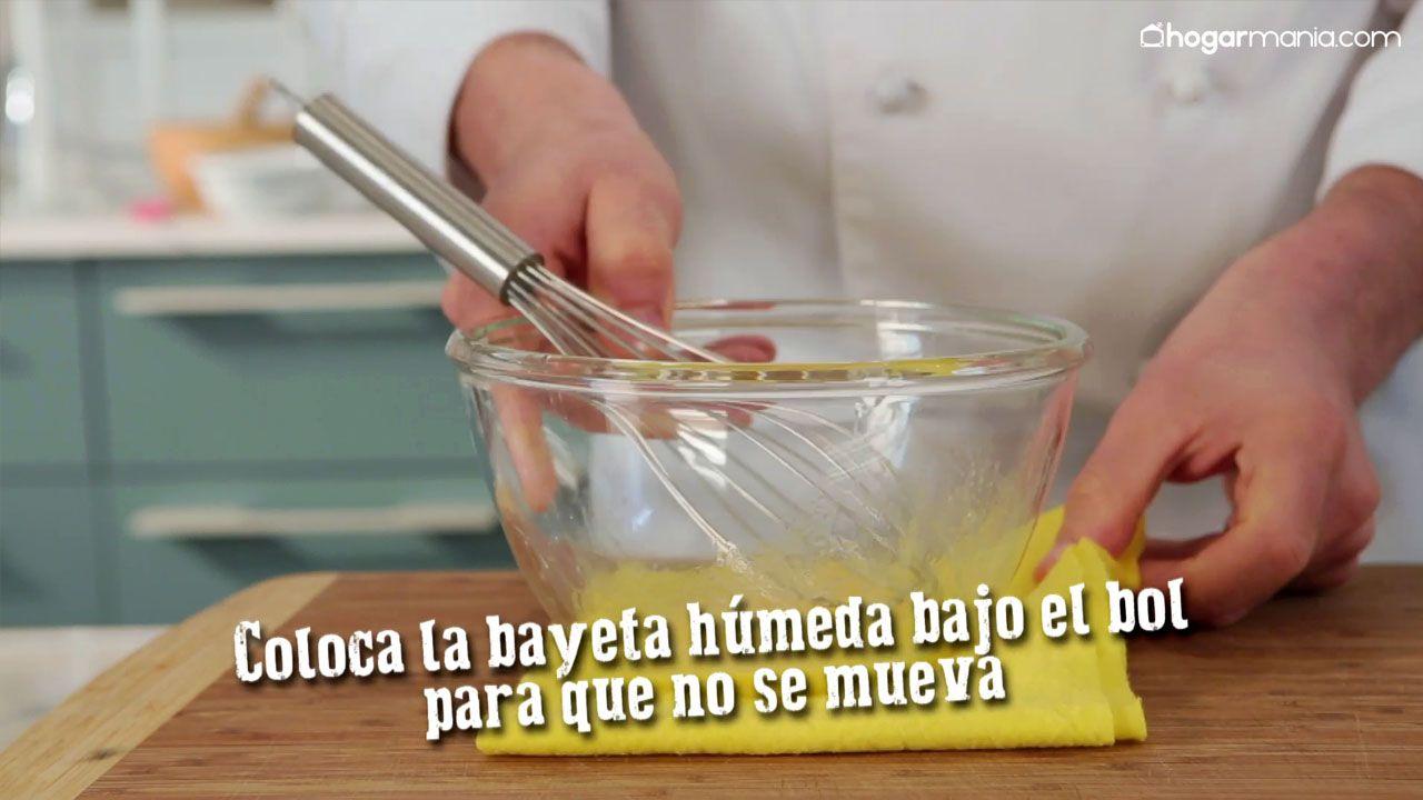 Cómo evitar que se mueva el bol al batir
