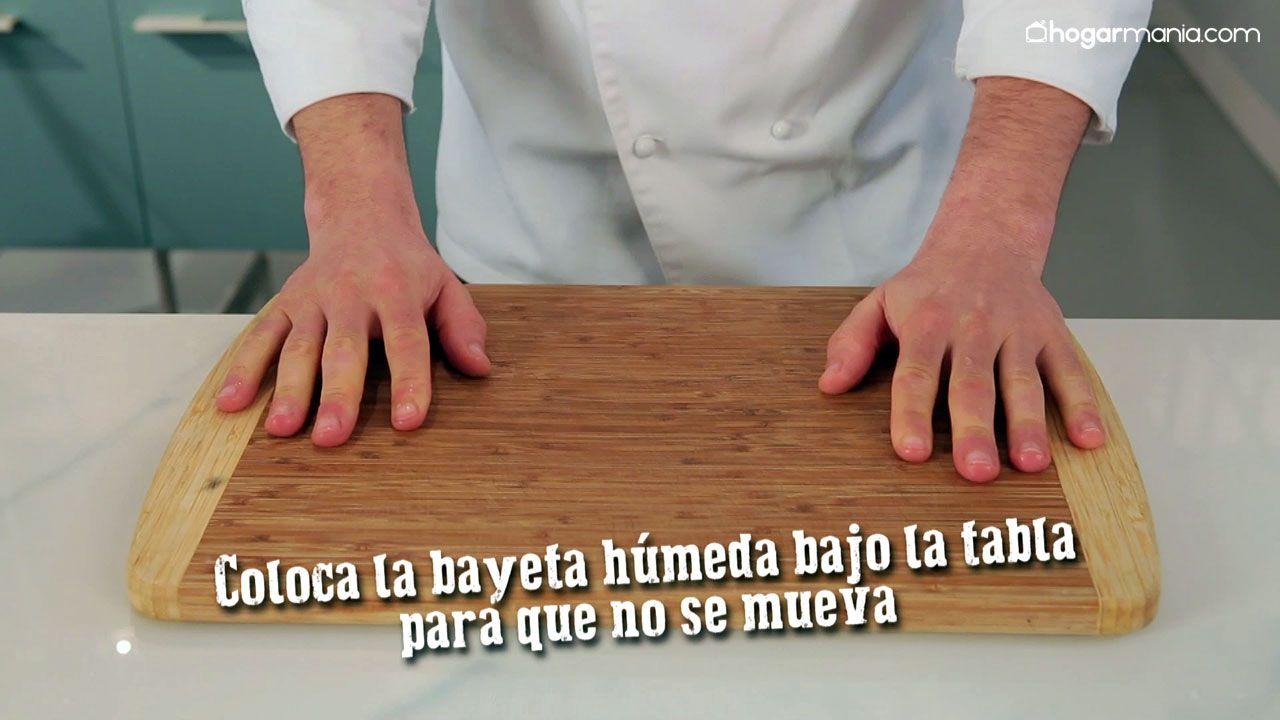 Cómo evitar que se resbale la tabla de cortar