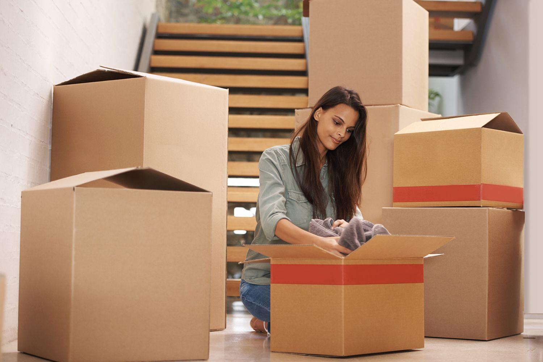 8 consejos para realizar el cambio de armario hogarmania for Cajas de plastico para guardar ropa
