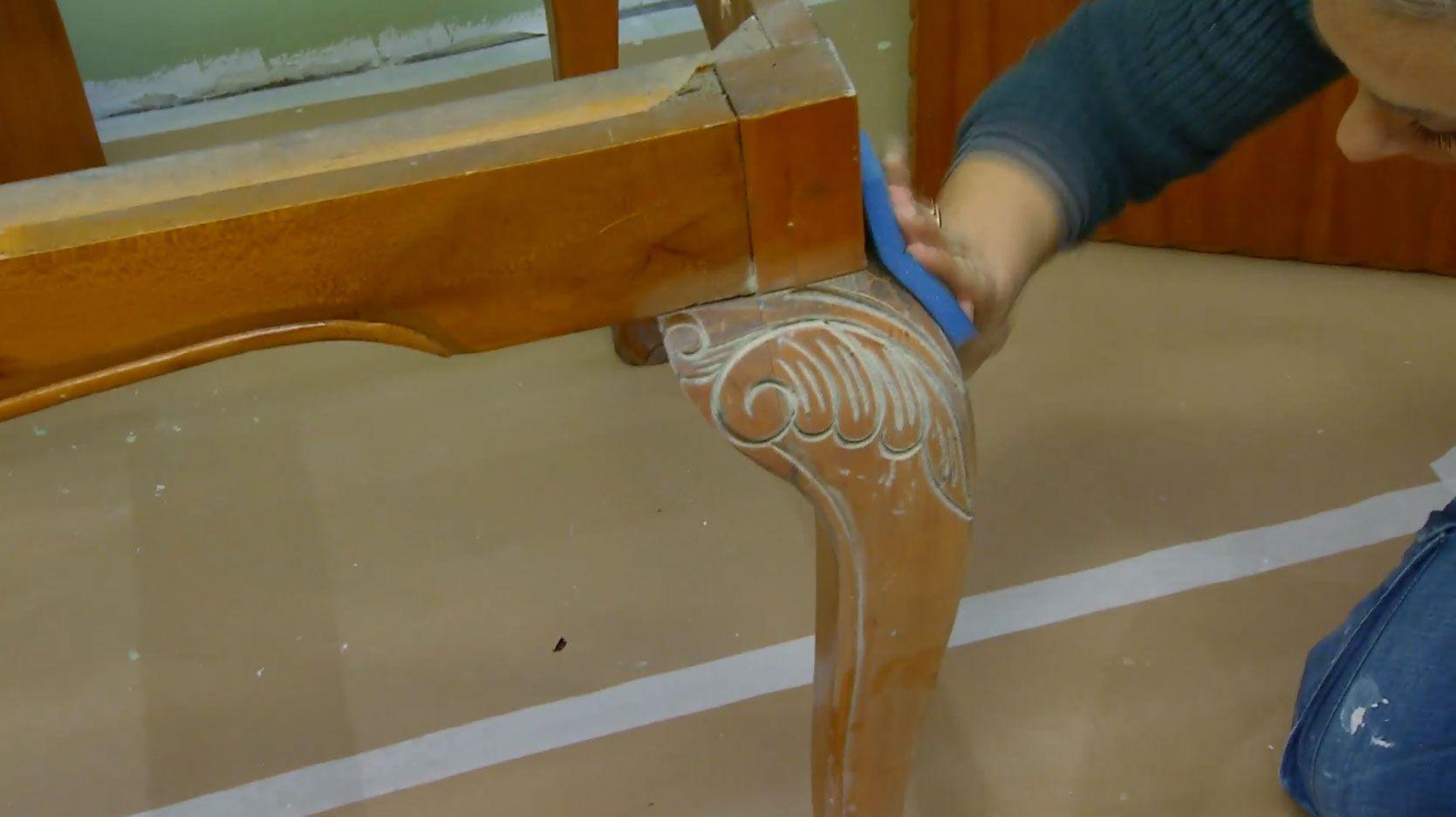 C mo pintar una silla de madera hogarmania - Pintar sillas de madera ...