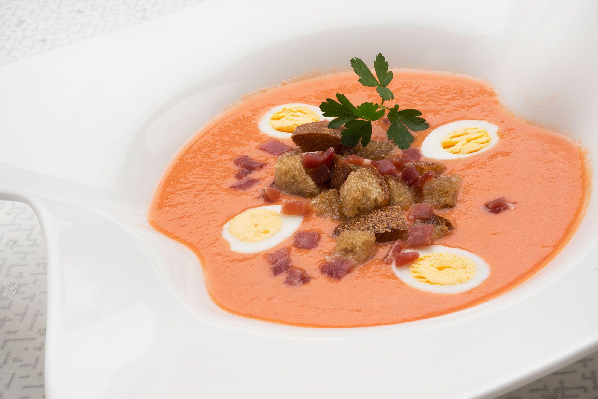 Gazpacho con tomate pera y pepino