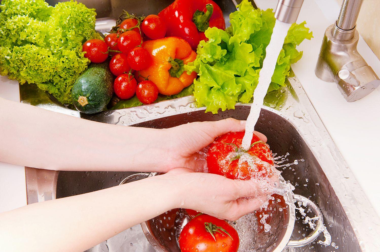 Limpia los alimentos