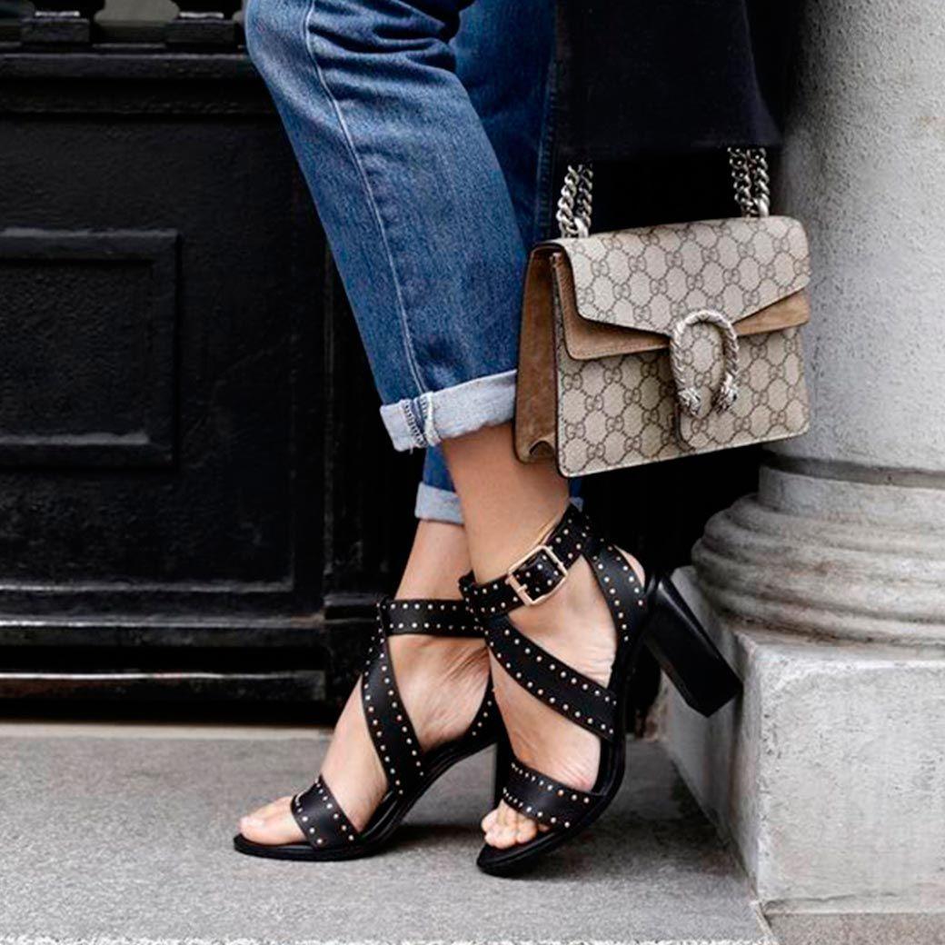 calzado verano tachuelas