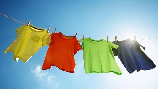 Cómo quitar las manchas de moho de la ropa