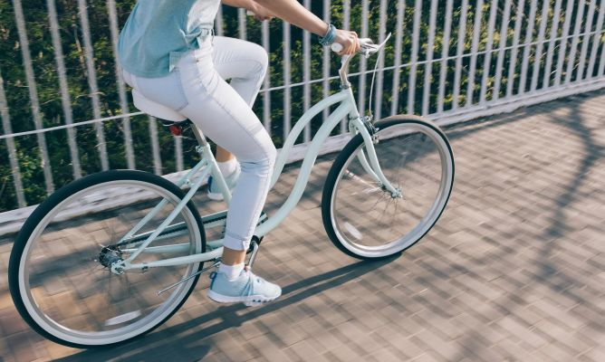 Manejar bicicleta estatica ayuda a bajar de peso