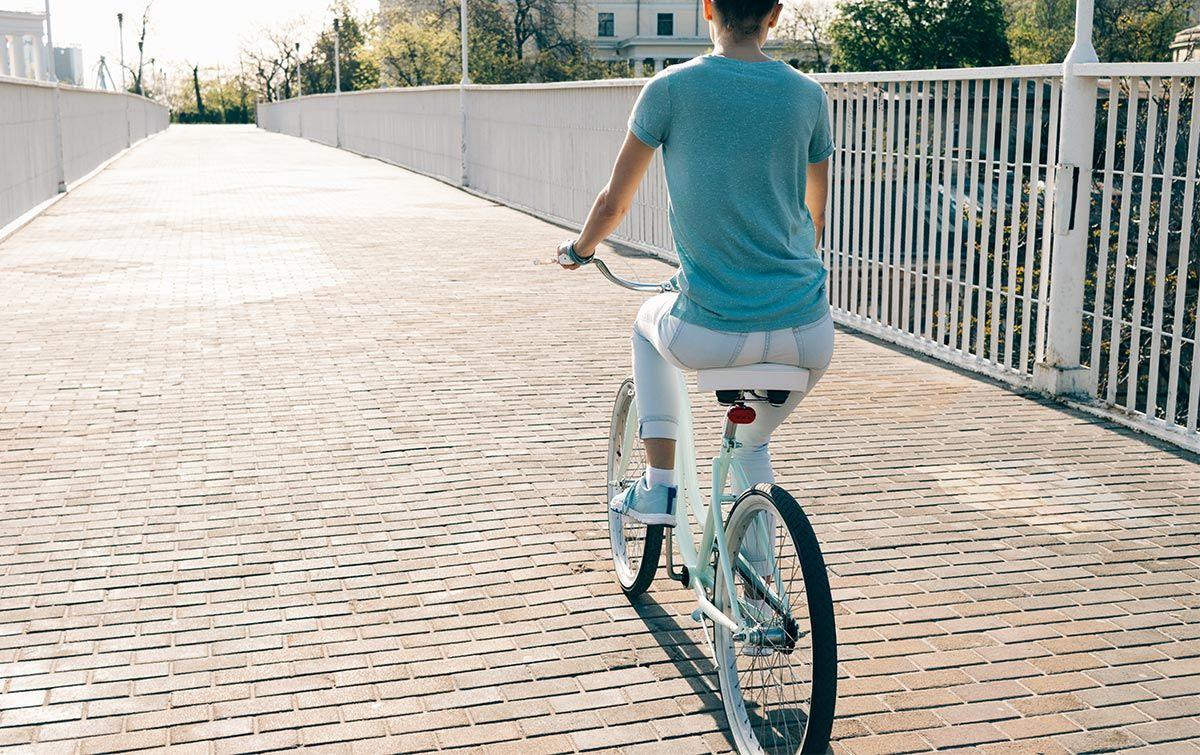 ejercicio bicicleta - espalda