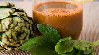 5 propiedades saludables de la alcachofa - Zumo de alcachofa