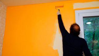 Pintar pared con pintura pizarra