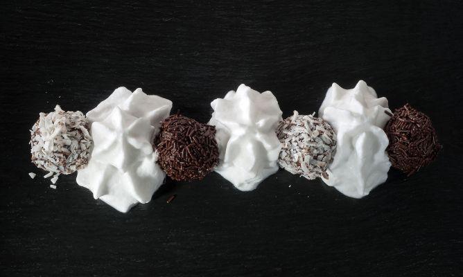 Receta de Trufas de cacao con espuma de coco