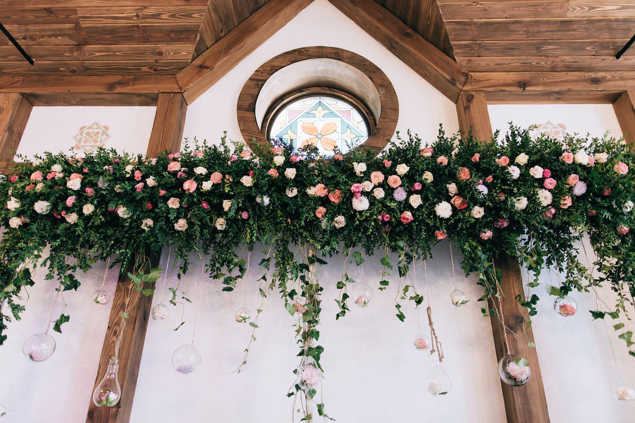 flores en el techo