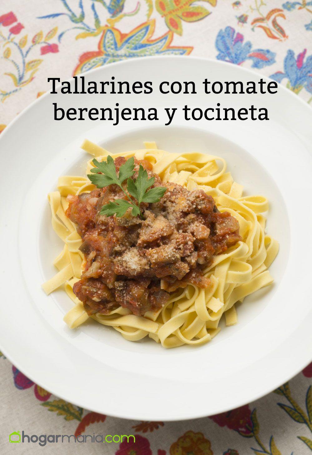 tallarines con tomate berenjena y tocineta