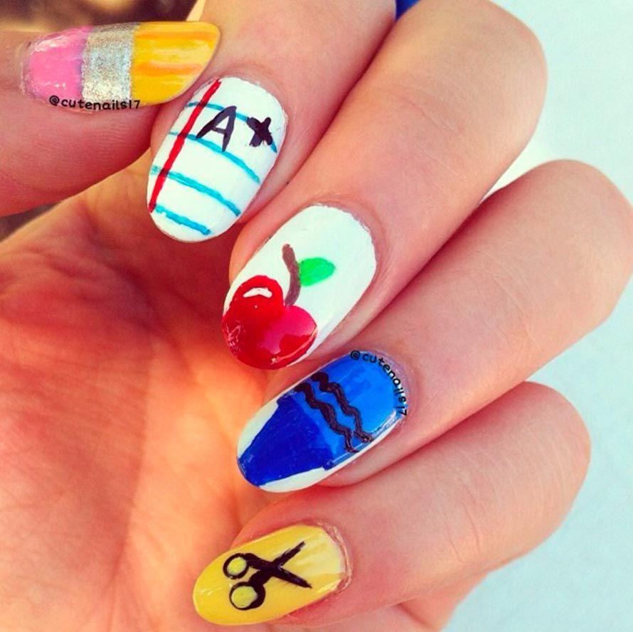 diseño uñas estudiantes