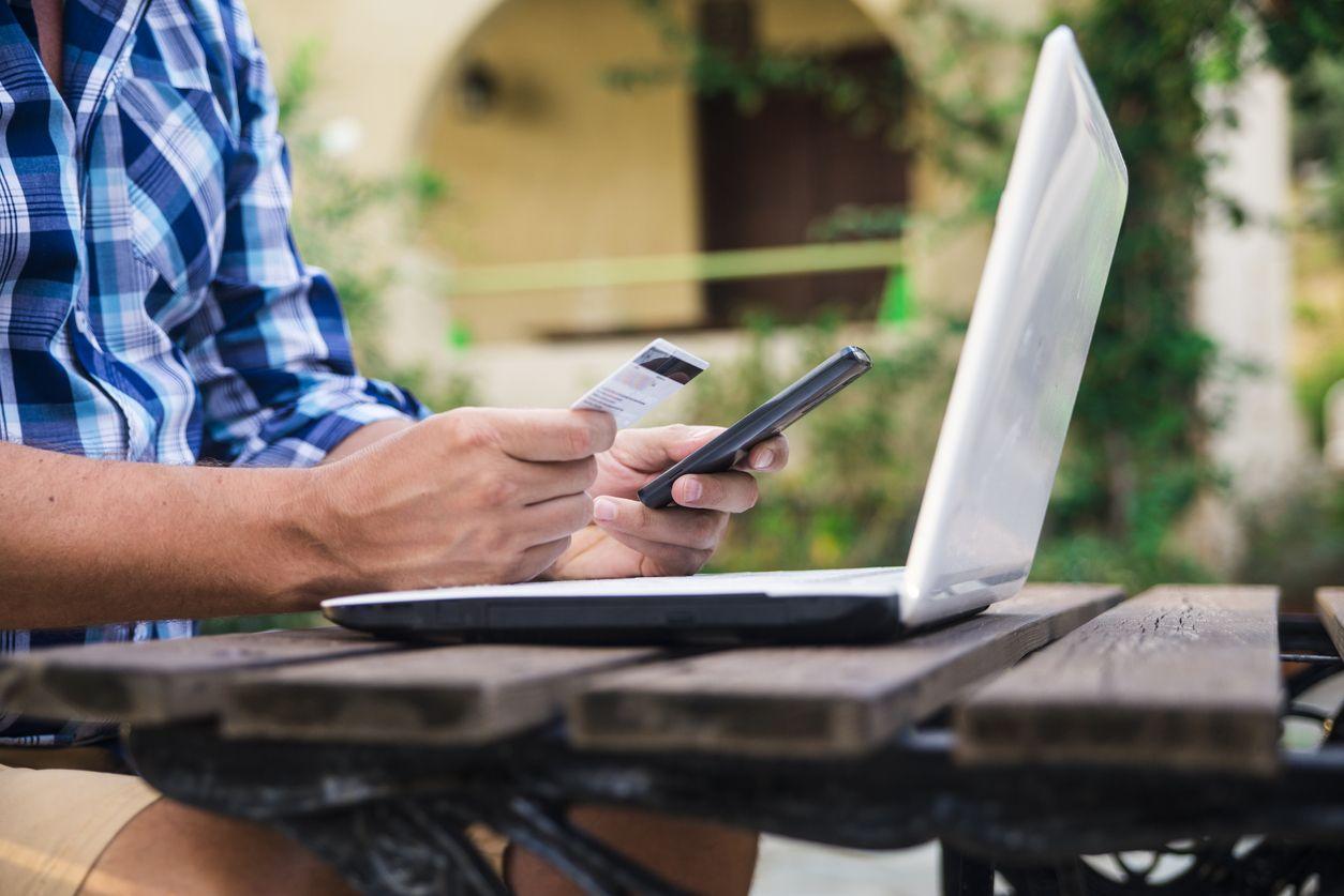 Trucos para ahorrar en tus facturas del hogar durante el verano