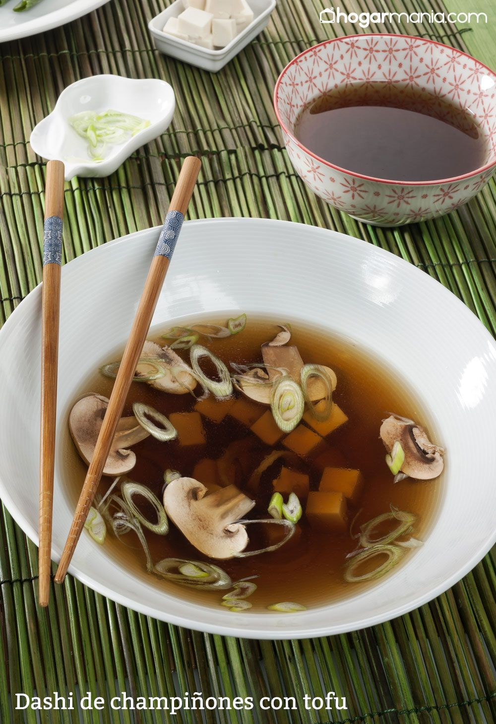 Dashi de champiñones con tofu