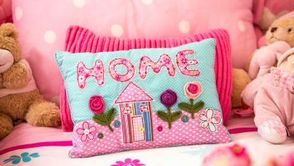 Convertir una cama en sof hogarmania - Cojines de patchwork ...