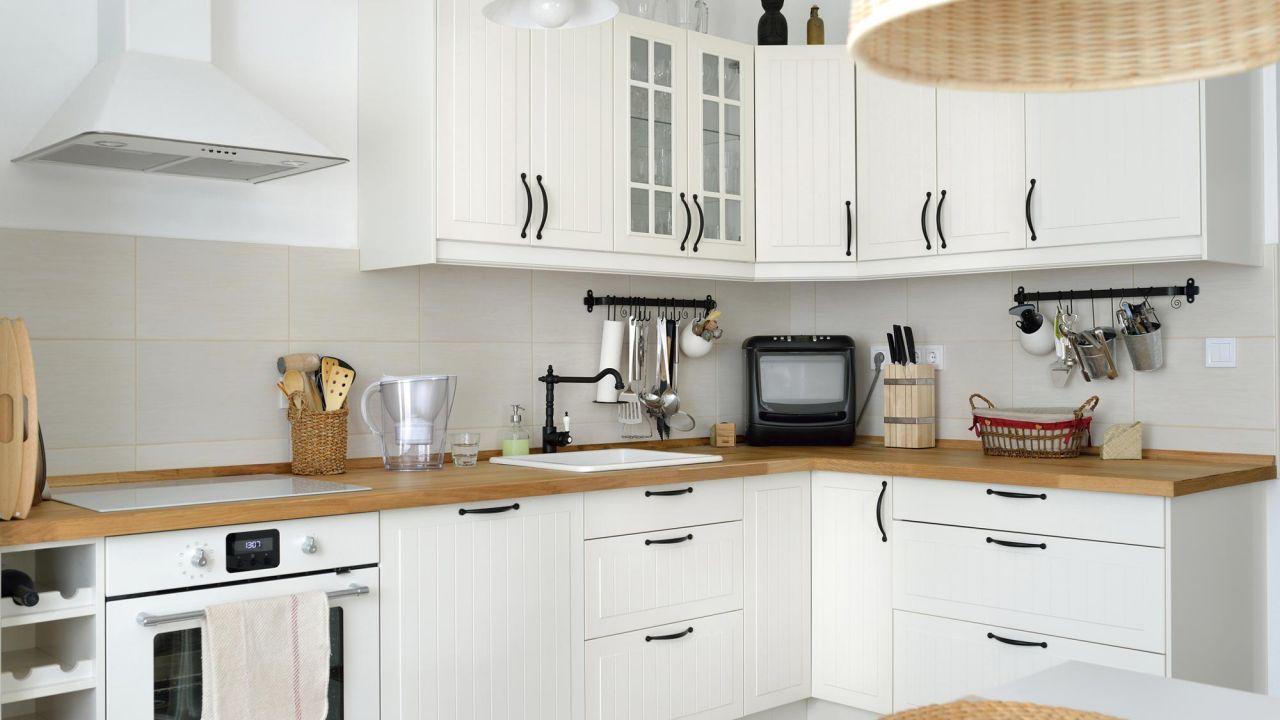 Decoración de cocinas de color blanco - Baldosa hidráulica
