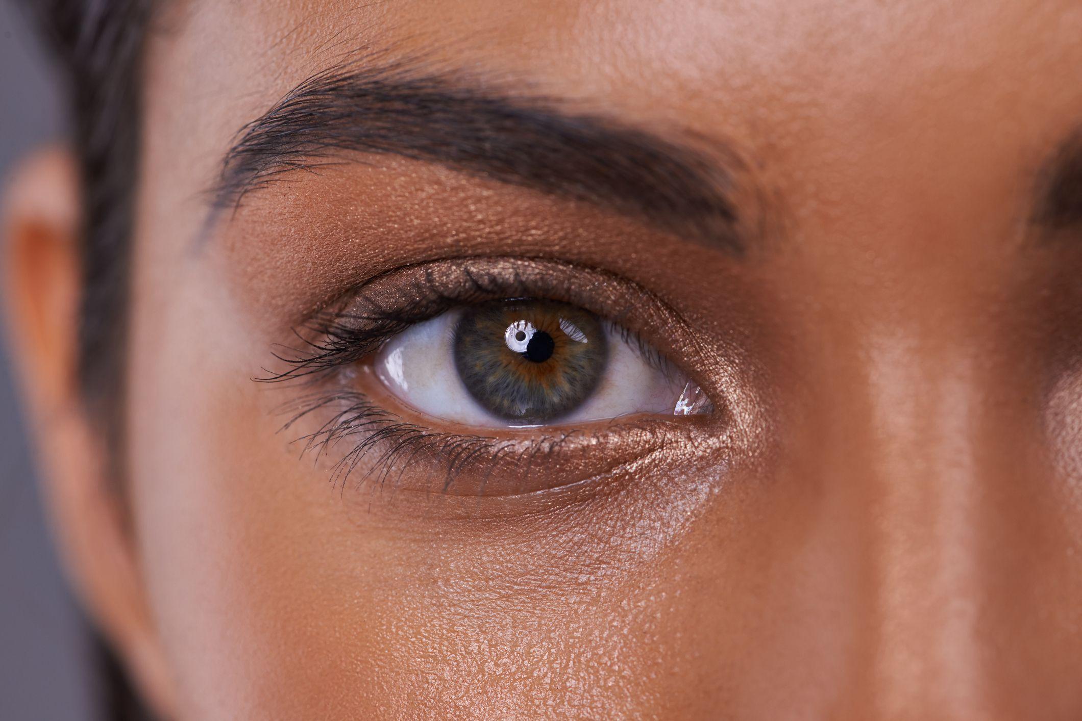 Qu color de maquillaje elegir seg n tus ojos hogarmania for Sombras de ojos para ojos marrones