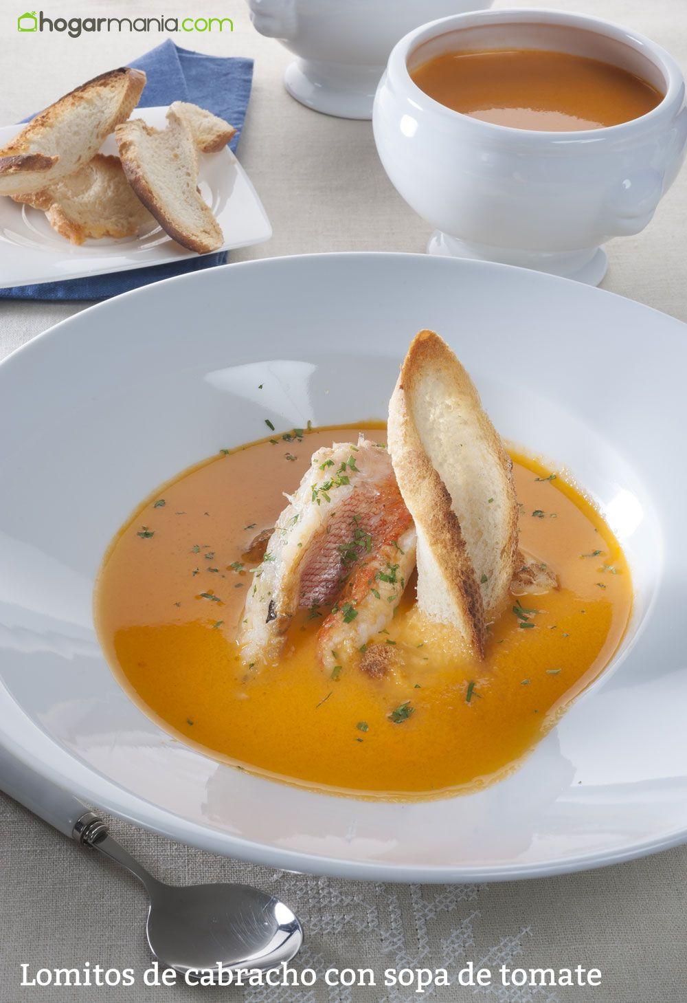 Lomitos de cabracho con sopa de tomate