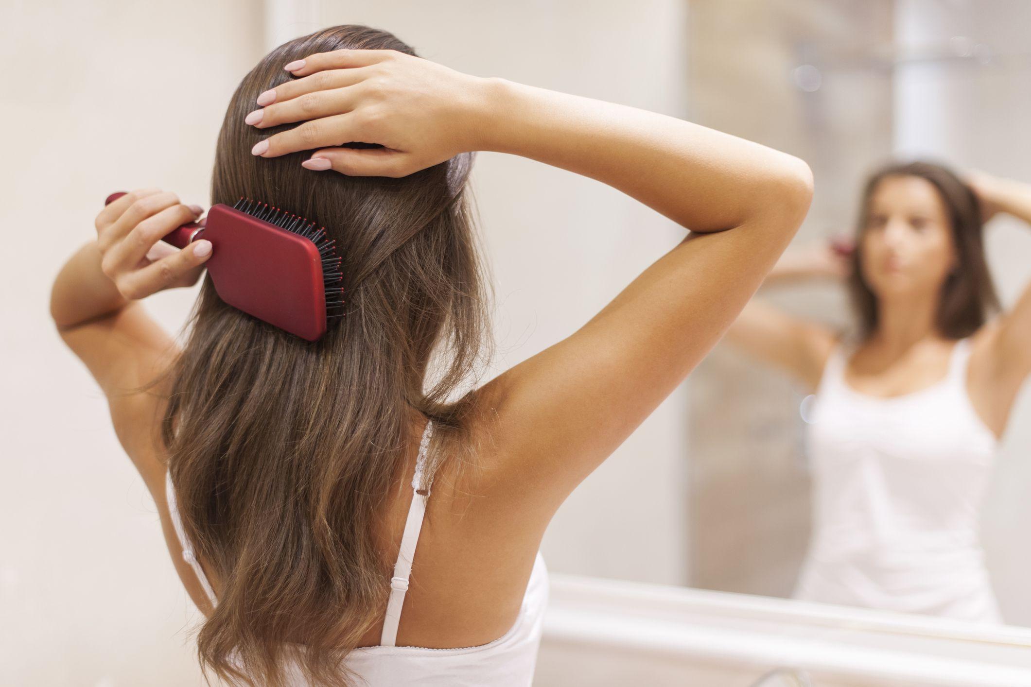 Cepillar el pelo