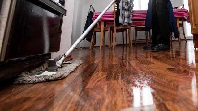 Cómo dar brillo a un suelo de madera o parquet