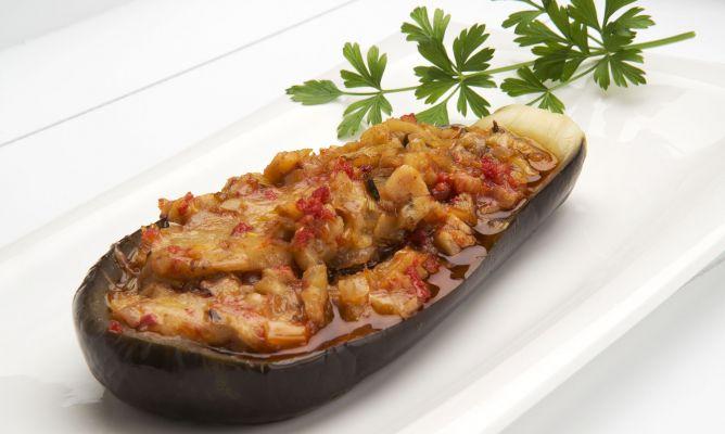 Receta de berenjenas rellenas de queso y sobrasada for Cocina berenjenas rellenas