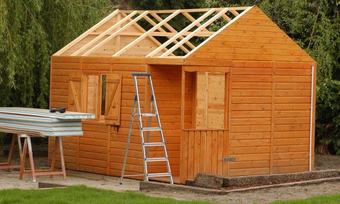Paneles s ndwich aislantes bricoman a for Choza de jardin de madera techo plano