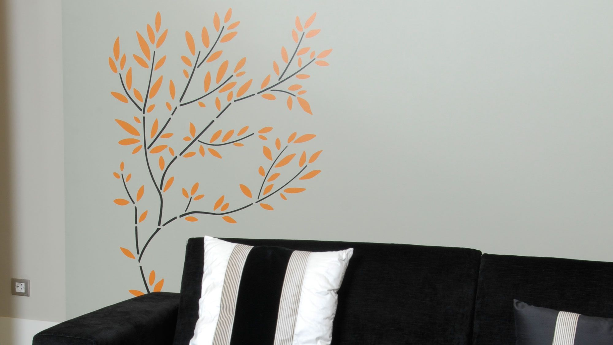 Decorar pared con árbol