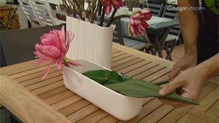 Composición con flores artificiales - Flor de cactus