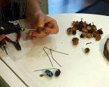 Cómo hacer un collar de bellotas