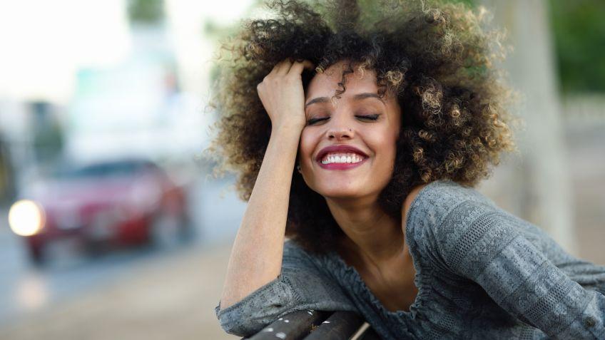 Corte de cabello tipo afro