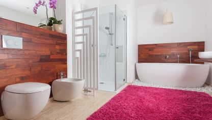 Decorar un baño de color rosa